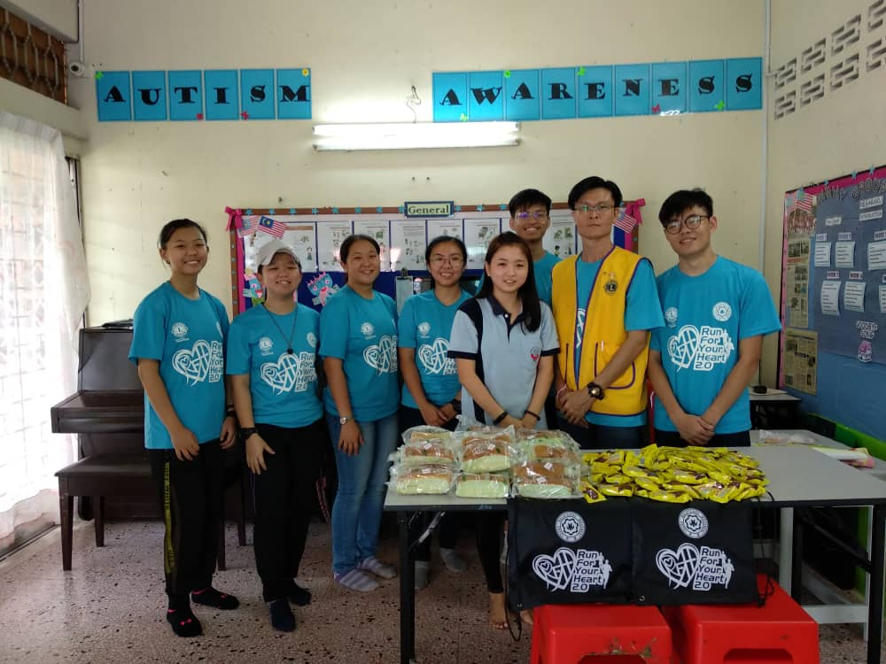 Visit from Omega Leo Club